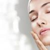 敏感肌の人に朗報!シワやたるみを改善する敏感肌専用コスメが話題!